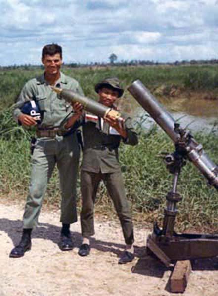Ban Me Thuot, Mortars, 1967. Photo by: McClean.