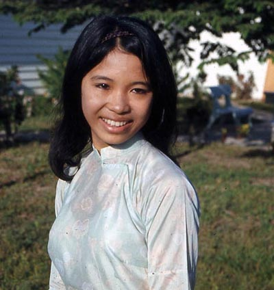 Bien Thuy Air Base, young girl. MSgt Summerfield, 1969: 14