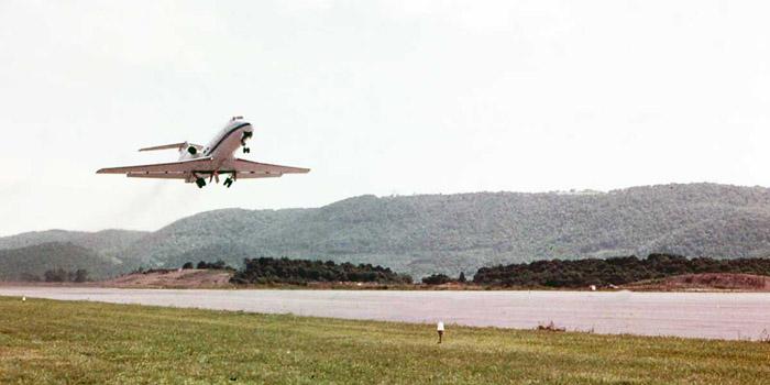 Bien Thuy Air Base, flight line. VIP jet lifts off. MSgt Summerfield: 08