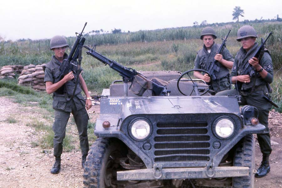 Bien Thuy Air Base, USAF SPS QRT jeep, M151, M79 and M60. MSgt Summerfield, 1968: 27