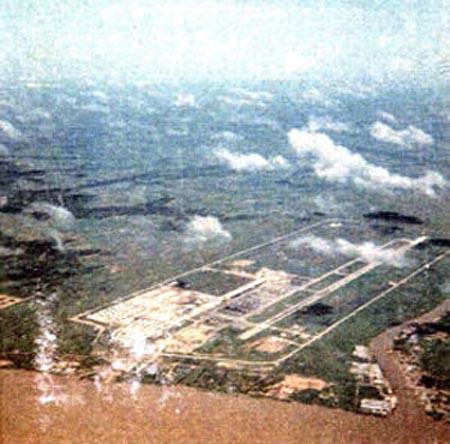 Photo 013: Binh Thuy AB, Aerial.