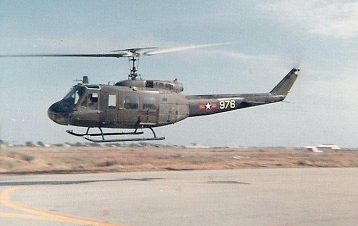 12. BT AB:Huey chopper landing. Photo by Jaime Lleras. 1970.