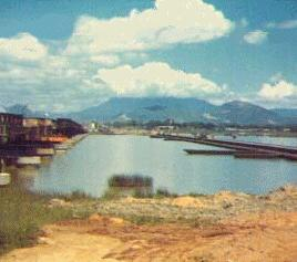 Da Nang-robert-kendrick-pontoon-bridge