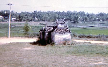30. Da Nang AB. East perimeter road Pagoda.