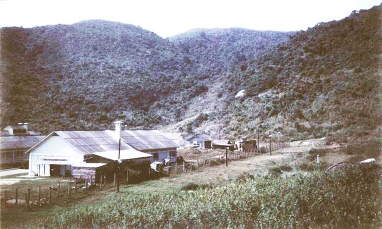 (2) Monkey Mountain, 620th TCS/SP, Lower Compound. Photo by: Lawrence Gilinsky, 1970-1971.