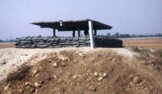 2c. NKP Perimeter Bunker. Photo by: George Conklin, NKP, 56th SPS K9: Ango 0k31. 1970-1971.