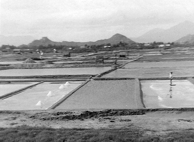 10. Phan Rang AB: Salt Farms outside Beach Gate. Photo by: Van Digby, 1967-1968.