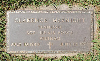 photo: Sgt Clarence McKnights gravestone.