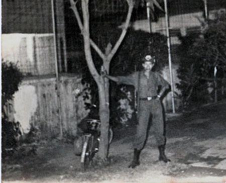 9. Tan Son Nhut AB: Nung Guard, Xyiem. Randy Stutler, 1965-1966.