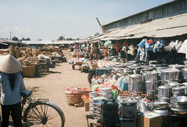 12. Tuy Hoa AB: Downtown Market. Photo by Ed Barker. 1966-1967.