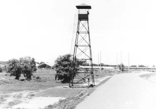 6. Udorn RTAFB, Perimeter Tower. Photo by: Steve Crane, LM 253, UD, 432nd SPS K9. 1969-1970.