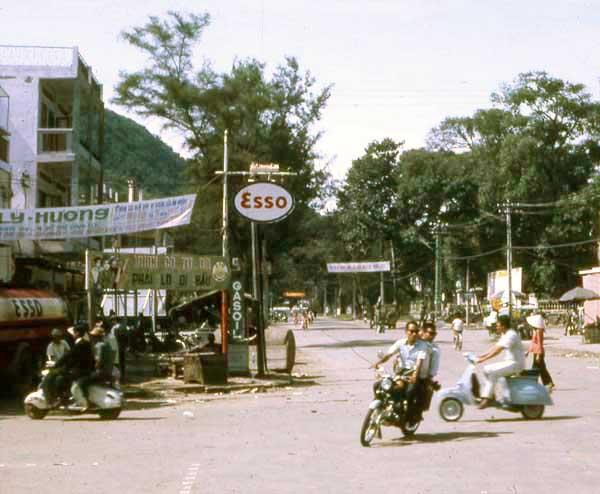 Vung Tau, downtown. MSgt Summerfield, 1969: 03