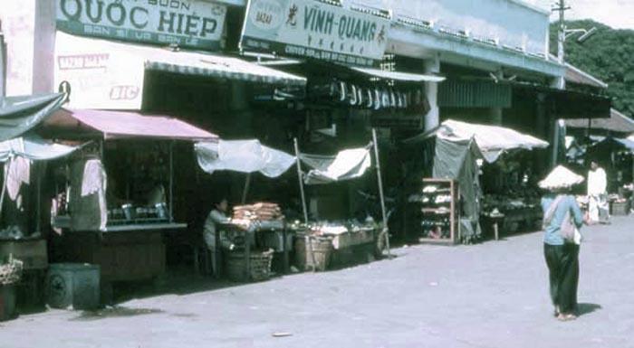 Vung Tau, marketplace. MSgt Summerfield, 1969: 04