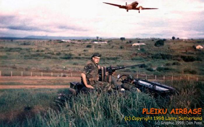 week-1998-03-01-pk-sutherland-sp-jeep-c47-landing-don-poss-sm