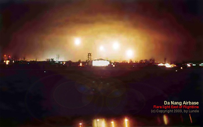 week-2003-08-17-dn-steen-lunde-flares-mk24s-flare-don-poss-sm